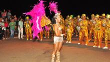 Desfile em Campo Grande tem musas locais e belezas vinda da Alemanha