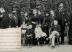 Foto divulgação web. PERTO DO FIM - Em 1889, a família posa em Petrópolis (Teresa Cristina, sentada, e, de pé, Isabel, dom Pedro, o neto Pedro Augusto, e o conde d'Eu): no diário, o sofrimento ao partir (Museu Imperial/VEJA)