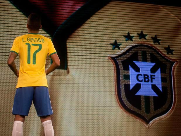 c1918d23c3926 Uniforme da Seleção Brasileira para Copa de 2014 é lançado - Conesul ...